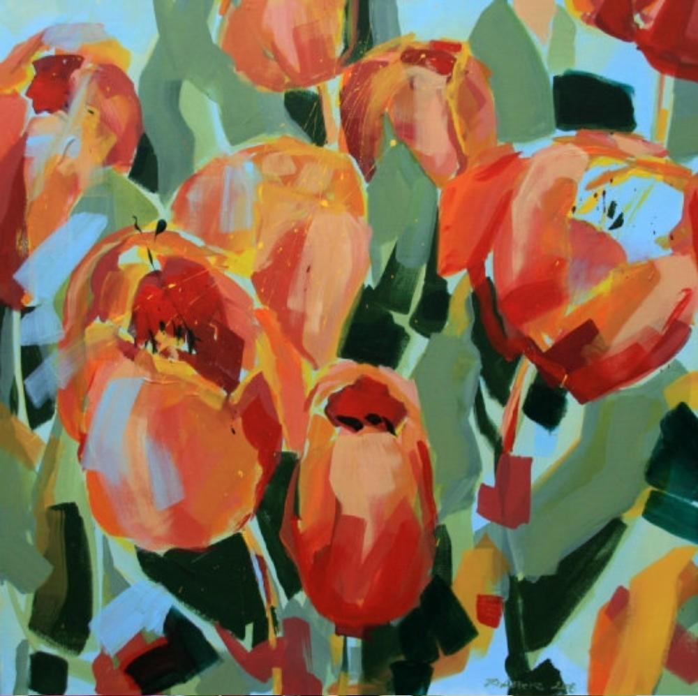 Orange-rote Tulpen auf Himmelblau